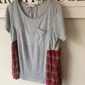Altar'd state gray plaid tee small